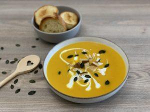 Vegane Kürbissuppe mit Kokosmilch | Rezept mit & ohne Thermomix