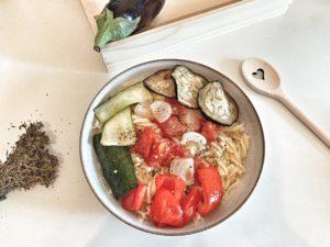 Leichtes, buntes Ofengemüse mit Pasta | veganes Lieblings-Rezept